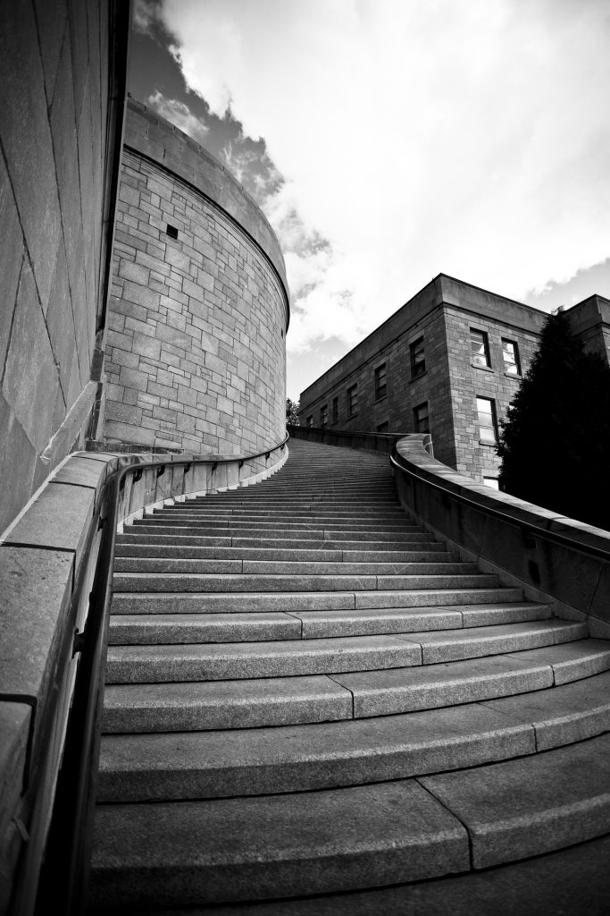 stairs-63747_1920