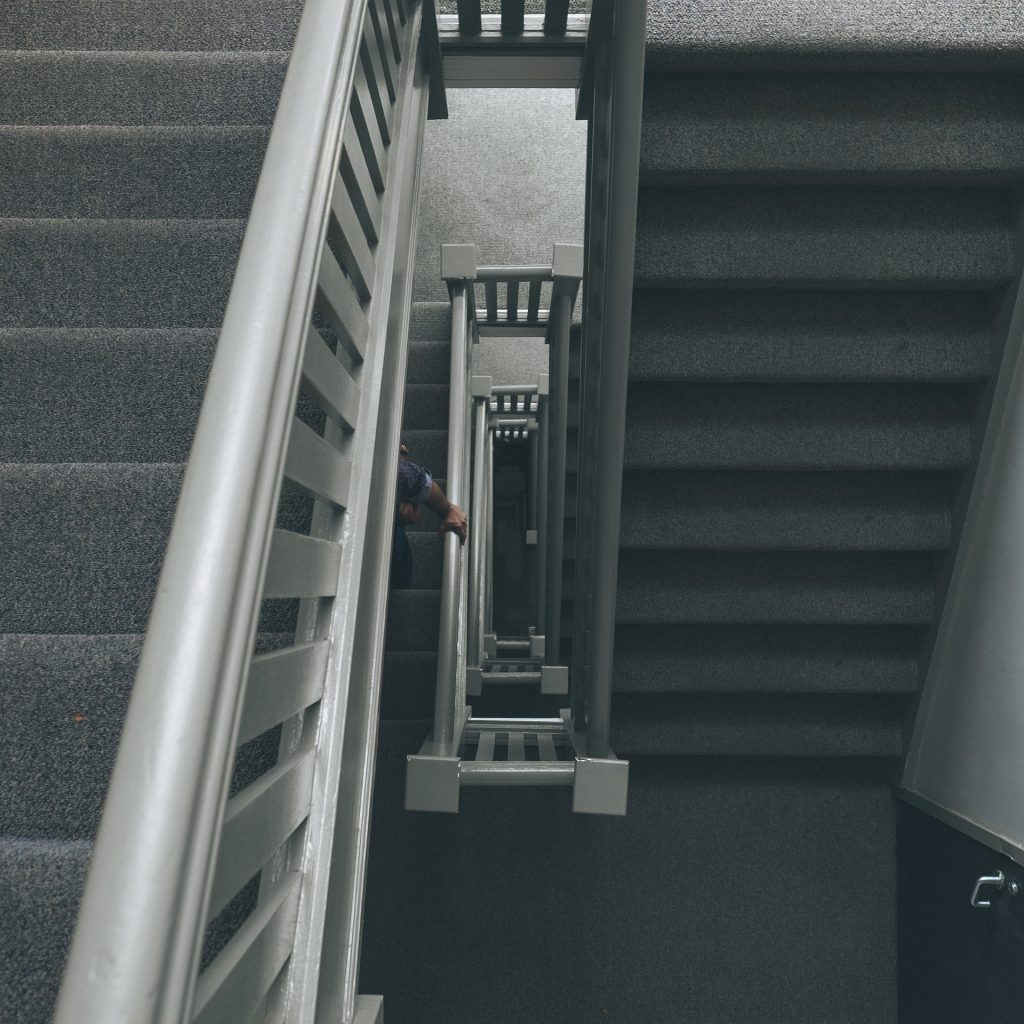 stairs-863671_1920